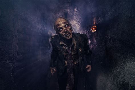 Asylum hotel fear haunted house. How Denver Haunted Houses Use Smells to Spook Visitors