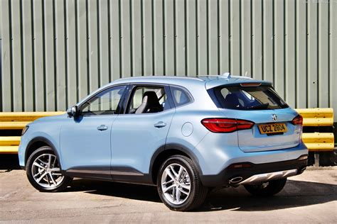If we talk about mg hs engine specs then the petrol engine displacement is 1490 cc. 2021 MG HS PHEV - Dailyrevs