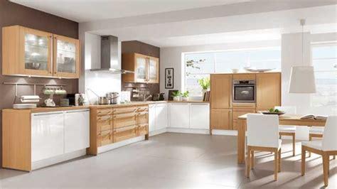 des vers dans la cuisine la cuisine s ouvre sur la salle à manger photo deco maison idées decoration interieure sur