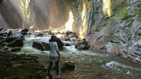 goa lalay pesona wisata green canyon  majalengka