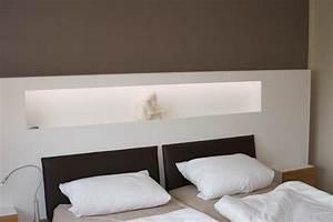 Bett Mit Ablagefläche : kopfteil mit ablage die neueste innovation der innenarchitektur und m bel ~ Indierocktalk.com Haus und Dekorationen