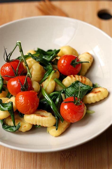 cuisiner l ail 6 sublimes recettes pour cuisiner l 39 ail des ours foodette