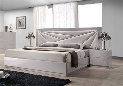 King Platform Bed With Tufted Headboard by Lacquered Leather Modern Platform Bed With Extra Storage