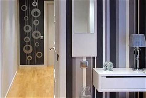 decorar el recibidor  papel pintado  rayas paperblog