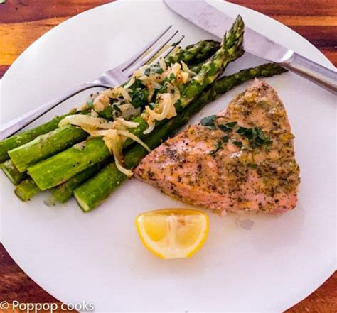 how to cook tuna steak on stove 1000 ideas about baked tuna steaks on pinterest cooking tuna steaks fresh tuna steak recipes