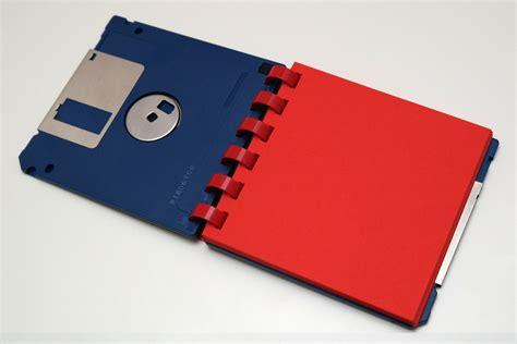 3 5 zoll diskette floppy 3 5 zoll floppy disk notizblock ringbuch in blau rot floppy