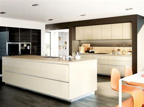 escabeau cuisine design cuisine bleu gris canard ou bleu marine code couleur et ides de