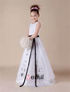 robe pour ceremonie mariage broderie blanche ceinture de satin et organza robe ceremonie fille robe fille mariage