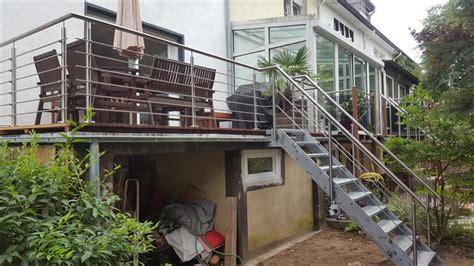 Treppe Für Terrasse by Gel 228 Nder Und Treppe F 252 R Terrasse Und Garten Metall