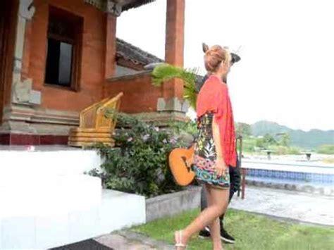Lagu Bali Terbaru Tresna Abulan Prasida Band Youtube