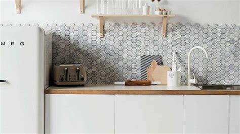 inox pour cuisine crédence cuisine laquelle choisir relooking carrelage côté maison