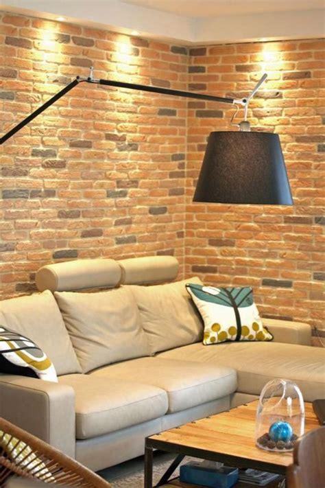 salon ouvert sur cuisine les briques de parement et les briques apparentes