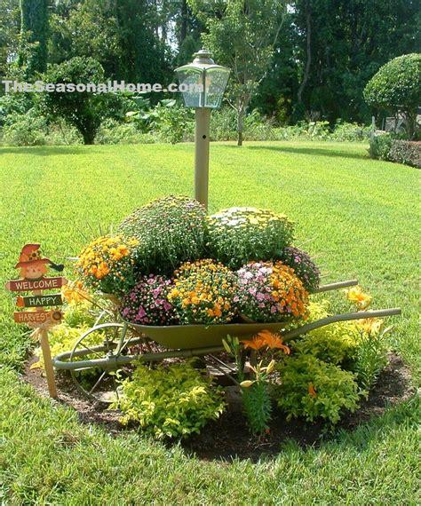Fall Yard Decoration Ideas « The Seasonal Home