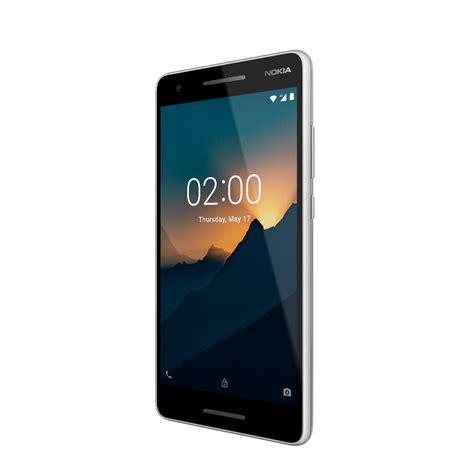 nokia представила в москве три доступных смартфона на