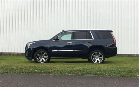 2017 Cadillac Escalade Full-size Suv Comes Up