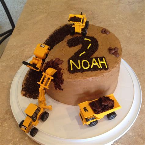 construction cake ideas construction cake for my 2 year boy he trucks 3026