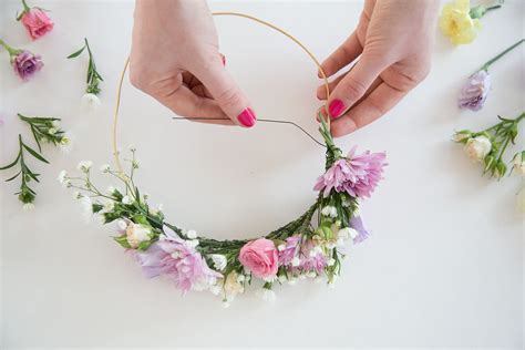 how to a flower how to make a flower crown bellinis blooms party
