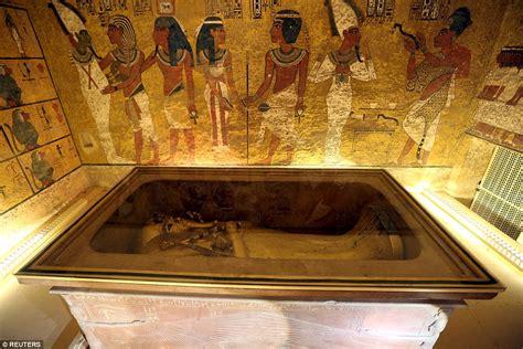 Is The Lost Queen Nefertiti Hiding Behind Tutankhamun's