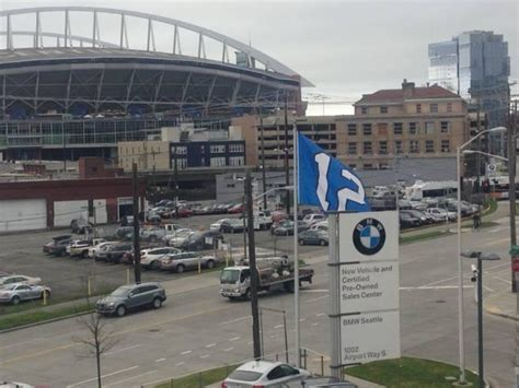 Seattle's Car Dealerships Set Up Auto Row In
