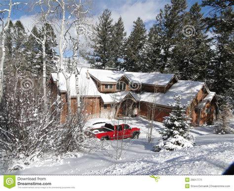 türkranz winter modern winter snow on large modern home stock image image 29017771