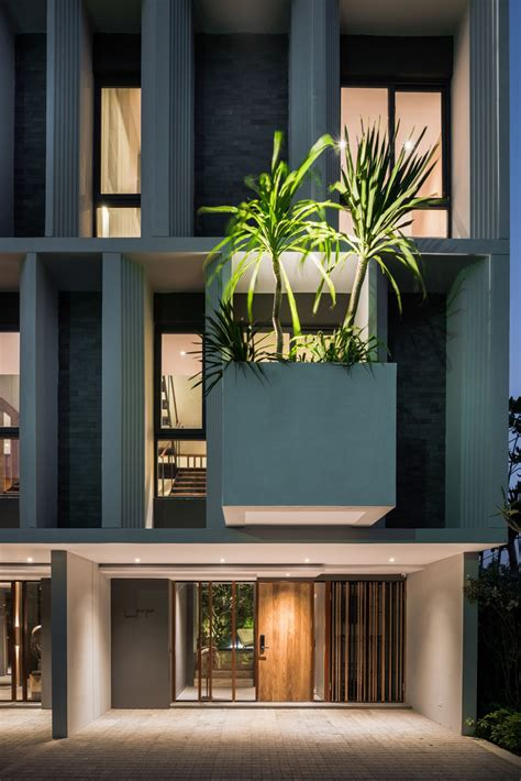 facade   townhouses welcomes visitors