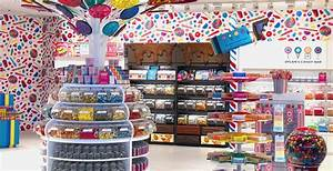 Dylan's Candy Bar just opened its first Canadian outlet at ...