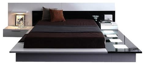 Modern-contemporary Lacquer Platform Bed