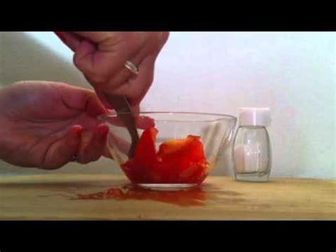 maske gegen mitesser selber machen anleitung gesichtsmaske gegen mitesser selber machen tomaten maske mit salz herstellen