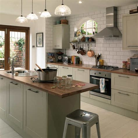 10+ Best Ideas About Shaker Style Kitchens On Pinterest