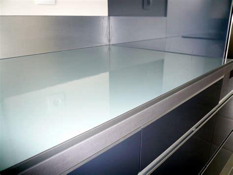 coller plan de travail cuisine grise fabricant de mobilier sur mesure pour r 233 sidence h 244 tellerie et particulier