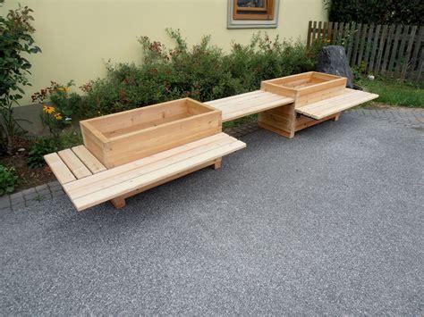 Balkonkästen Aus Holz by Blumenkasten Und Sitzbank Aus Holz Gartenb 228 Nke Und