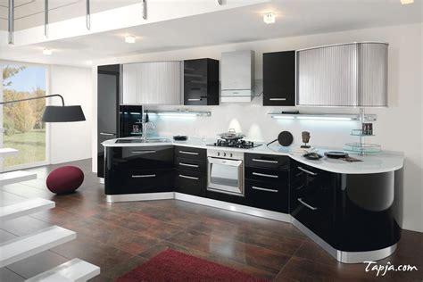 Stunning Italian Modern Kitchen Design With Black Gloss