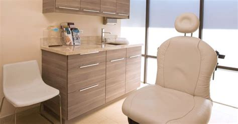 Dental Clinic Cabinet Design by I Like The Cabinets And The Sink The Rest Of The Room Is