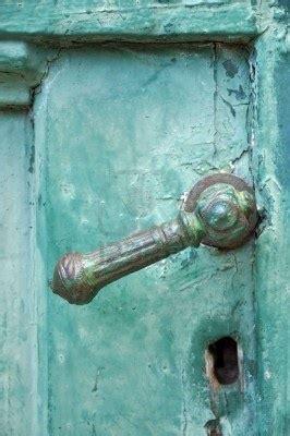 poignees de portes anciennes 1000 id 233 es sur le th 232 me porte turquoise sur vieilles portes portes d entr 233 e