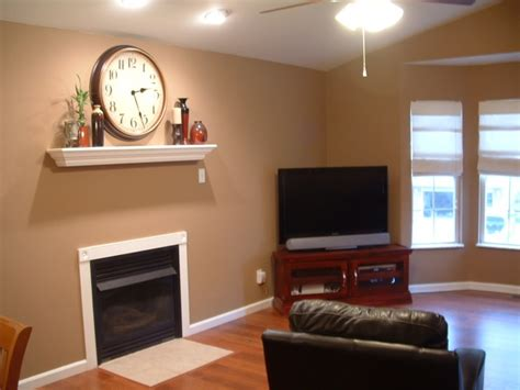 Paint Color Choices For Living Rooms : Living Room Color With Dark Furniture