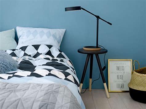chambre adulte bleue déco chambre bleu glacier