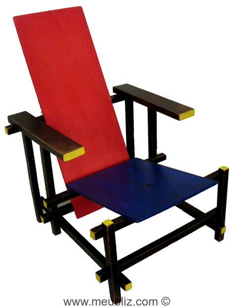 la chaise et bleu fauteuil bleu par gerrit rietveld