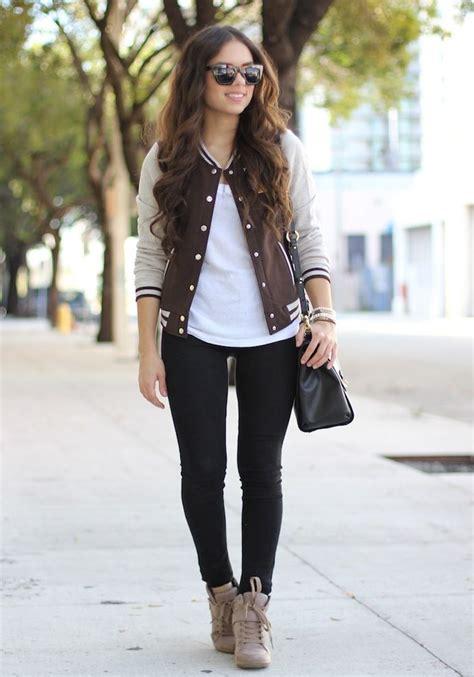 Best 20+ Varsity jacket outfit ideas on Pinterest | Letterman jacket outfit Taylor swift ...
