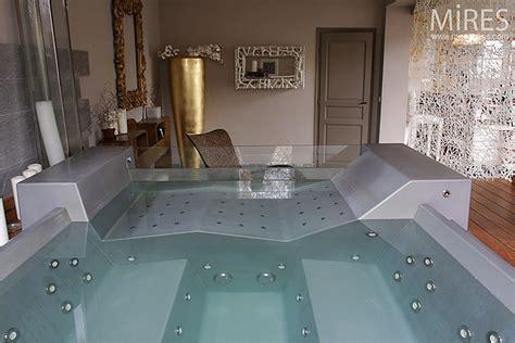 hotel avec dans la chambre bretagne futuriste c0194 mires