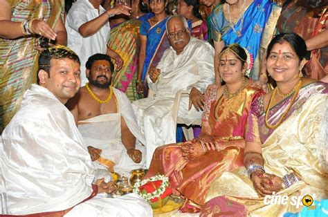 actress kavitha daughter marriage kavitha daughter wedding stills 55