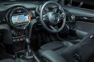 Mini Cooper Interieur : mini cars news mini 5 door on sale now from 27 750 ~ Medecine-chirurgie-esthetiques.com Avis de Voitures