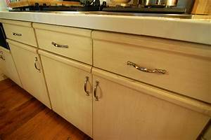 North dallas real estate updating kitchen cabinets for Update kitchen cabinets