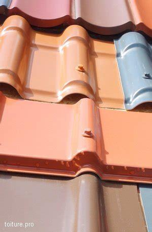 les materiaux  couleurs des tuiles dossier