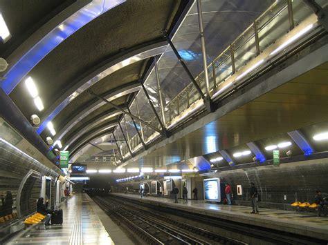cristobal colon metro station wikipedia