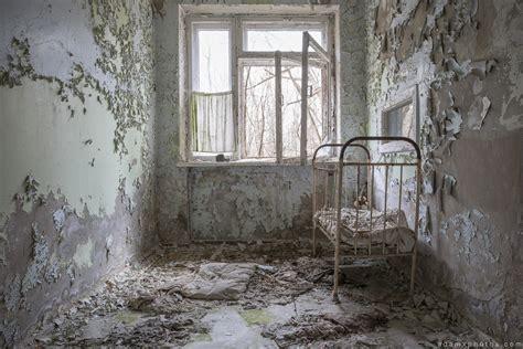 By joe mcfarlane an avid explorer headed down into the dark radioactive depths of the abandoned chernobyl hospital in a very creepy video. Chernobyl: Pripyat #3 - Hospital No.126 - April 2015 - Adam X