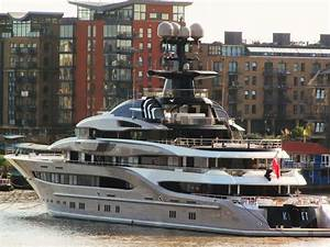 VIRTUAL TOUR See The Inside Of Yacht That Shad Khan Is