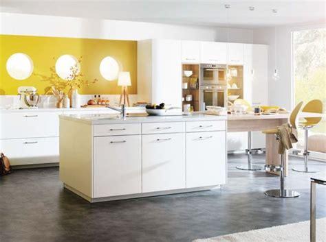 cuisine mur jaune les 25 meilleures idées de la catégorie murs de la cuisine