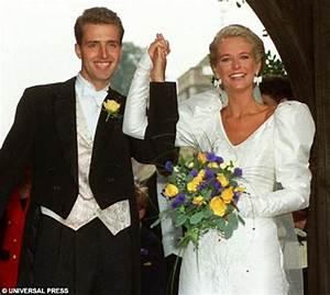 as kim sears39 wedding dress splits public opinion femail With wedding cameraman