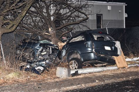 Two Killed After Car Smashes Into Tree In Queens