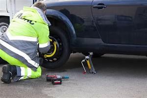Changement Pneu Voiture : comment changer un pneu de voiture en toute s curit ~ Medecine-chirurgie-esthetiques.com Avis de Voitures